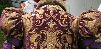 Queen's Surcoat (back)