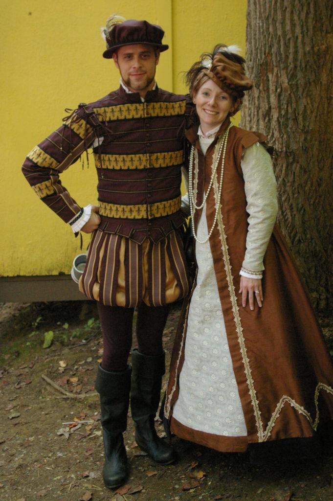 Elizabethan Couple