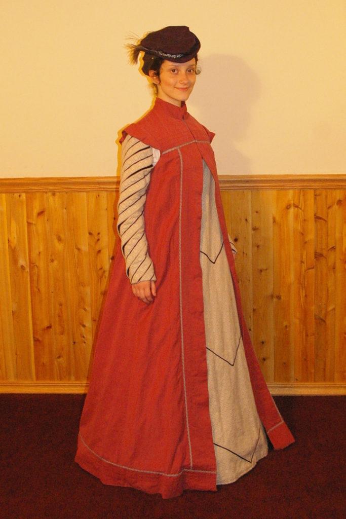Pink Elizabethan Loose Kirtle & Surcoat