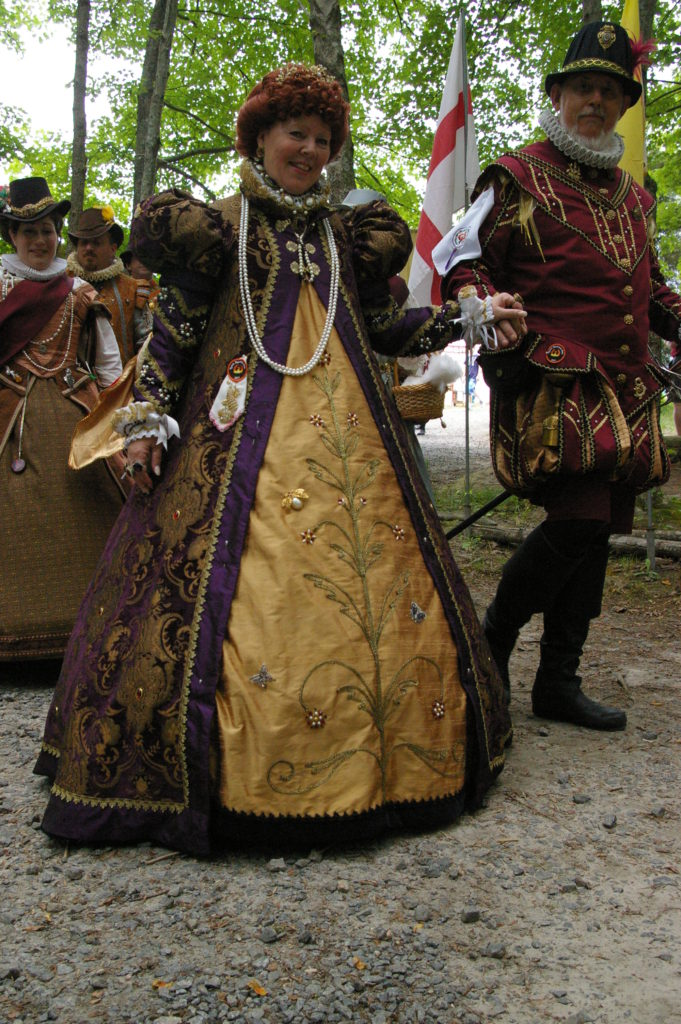 Queen's Loose Gown and Surcoat